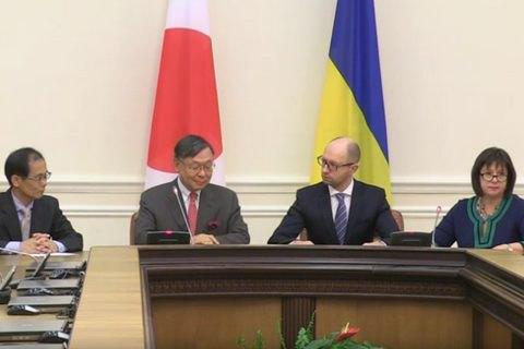Япония выделила Украине $300 млн