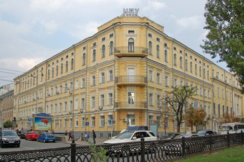 Студенты Драгоманова заблокировали одно изучебных зданий