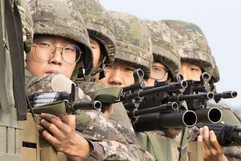 США перебросят бомбардировщики иподводные лодки вЮжную Корею