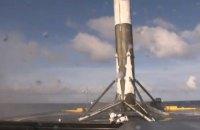 SpaceX снова посадила ступень ракеты на платформу в океане