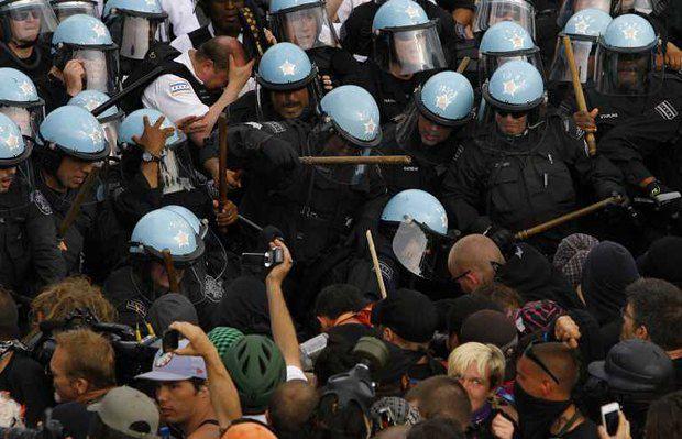 Разгон демонстрации в Чикаго
