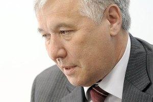 Янукович поздравил соратника Ющенко