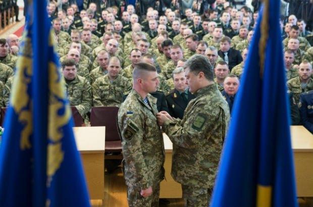 Вчерашние «герои Украины» продолжают превращаться в «агентов Кремля»