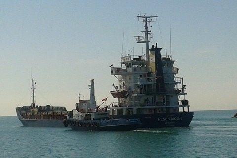Иностранное судно зашло в Севастополь вопреки запрету