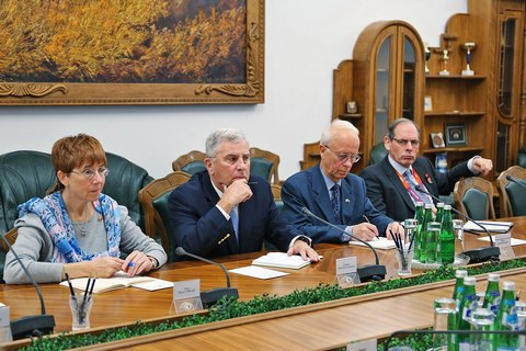 Заграничные советники приступили кработе вМО Украины