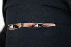 У Франції за рік заборони паранджі оштрафували 300 мусульманок