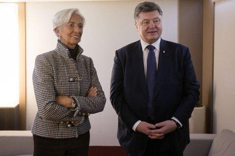 Усереду Порошенко вирушить наВсесвітній економічний форум