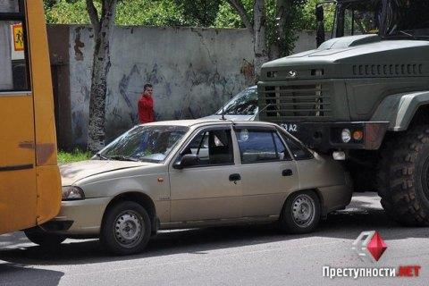 Военный грузовик спровоцировал крупное ДТП в Николаеве