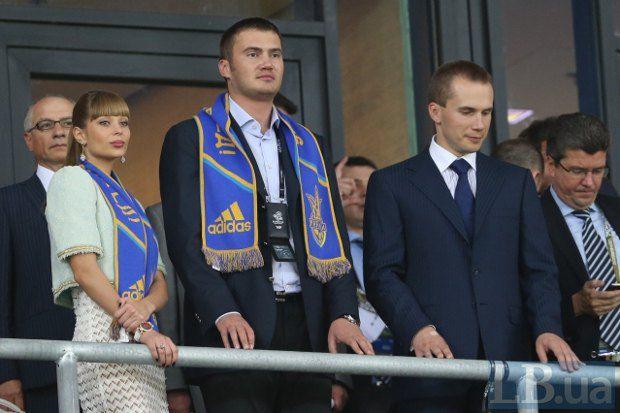 Виктор Янукович с женой и Александр Янукович