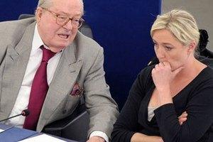 """Жан-Мари Ле Пен оштрафован за то, что назвал газовые камеры """"всего лишь деталью истории"""""""