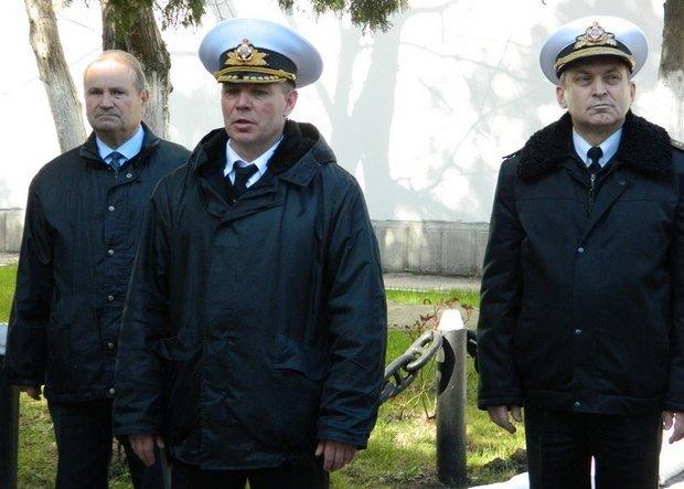 Сергей Гайдук - в центре