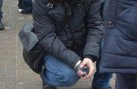 Николаевский полицейский отобрал у преступника гранату с выдернутой чекой