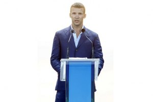 Шевченко учит украинский язык