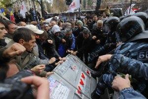 Сторонники Тимошенко пытаются ее освободить