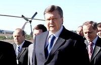 Янукович собрался в Енакиево на могилу матери