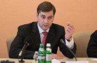 Кум Табачника обещает больше не раздавать лекарства со своим фото