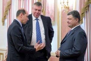 Порошенко: настроения на Донбассе меняются, через несколько месяцев будет мир