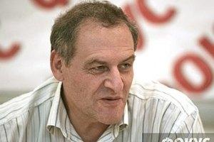 Захаров считает критику Лутковской политической