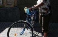 Янукович так и не вышел за своим велосипедом