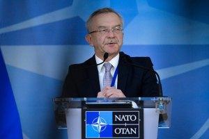 Военные НАТО не будут решать конфликт на Донбассе, - посол Украины