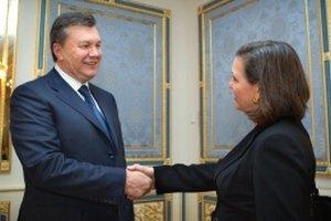 Янукович проводит встречу с замгоссекретаря США