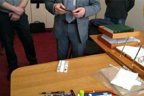 В Тернопольской области архитектурно-строительный инспектор задержан при получении взятки