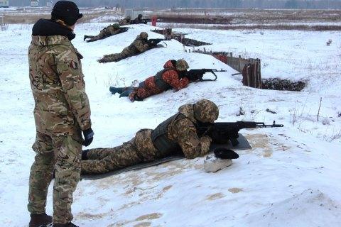 Британские инструкторы начали обучать украинских пехотинцев