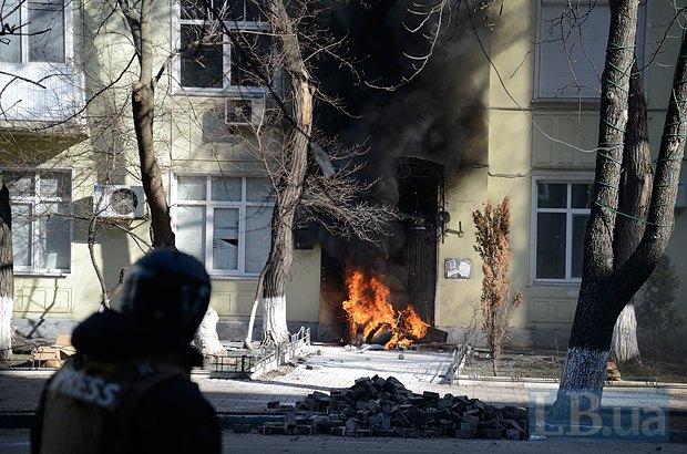 Огонь в лругом доме на Шелковичной