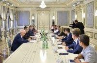 Порошенко осудил обыски в IТ-компаниях