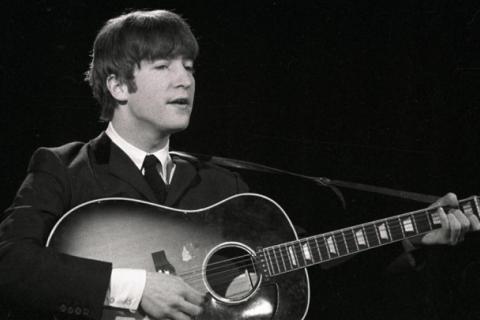 Гітару Джона Леннона продали з молотка за $2,4 млн