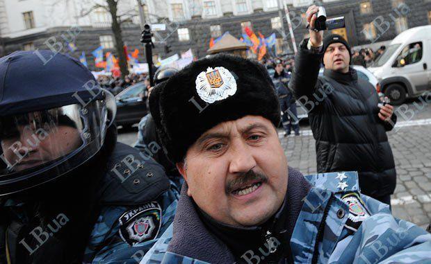 Полковник милиции Сергей Кусюк, который обычно руководит спецназом в драках с участниками акций протестов