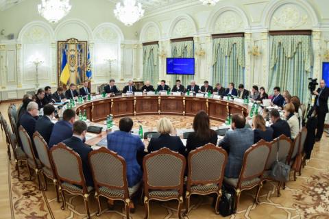 Порошенко прокомментировал конфликт между Аваковым и Саакашвили