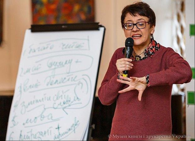 """Оксана Забужко: """"Коли 8 травня 2014 року в Берліні я порівняла Путіна з Гітлером, мені вимкнули мікрофона"""""""