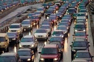 Власти отказались делать въезд в центр Киева платным