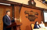 Янукович признался, что говорил с Фиделем Кастро о микробиологии