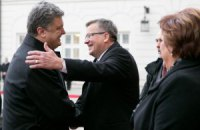 Порошенко благодарен Польше за гумпомощь для переселенцев