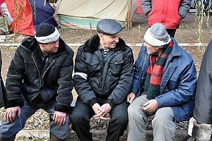 """Донецкие чернобыльцы: Азаров - """"лжец, который боится приехать к землякам"""""""