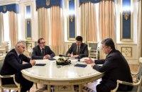 Порошенко подякував адвокатам Савченко за допомогу в її звільненні