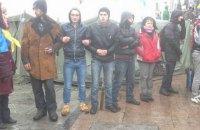На Майдане произошла драка из-за фальшивых шевронов
