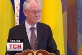 """Януковича пригласили в клуб """"кому за 60"""""""