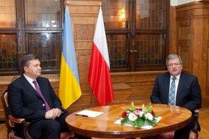 Янукович поговорил с Коморовским