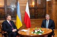 Коморовский призвал Януковича решить вопрос с Тимошенко