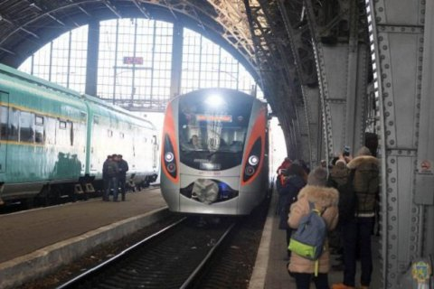 Кабмин упростил прохождение таможни для пассажиров поезда Киев - Перемышль