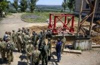 Порошенко поручил за 2 месяца восстановить телевышку на горе Карачун