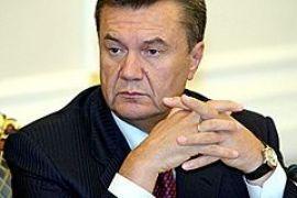 Янукович раздал должности своим оппозиционным министрам
