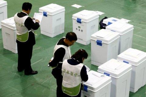 ВЮжной Корее правящая партия проиграла выборы впарламент