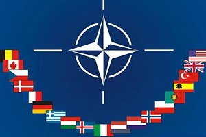 Вопрос о вступлении Украины в НАТО не стоит, - глава миссии