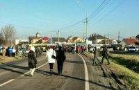 Активисты из Межигорья едут под дом Медведчука и Азарова