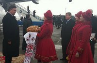 Янукович пострелял на Яворовском полигоне