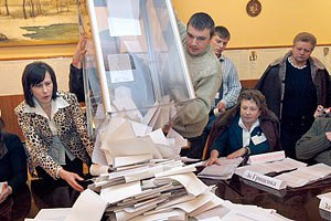 Полтавским избирателям не хватает урн для голосования